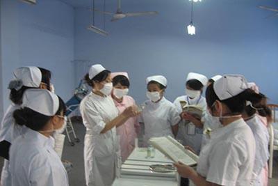 眉山卫生职业学校-五年制护理专业