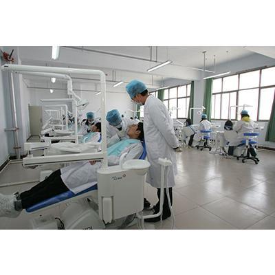 成都华大医药卫生学校(口腔修复工艺专业)介绍